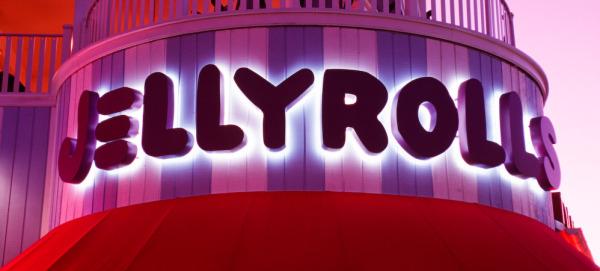 World Secrets: Jellyrolls Dueling piano bar near Disney's BoardwalkResort